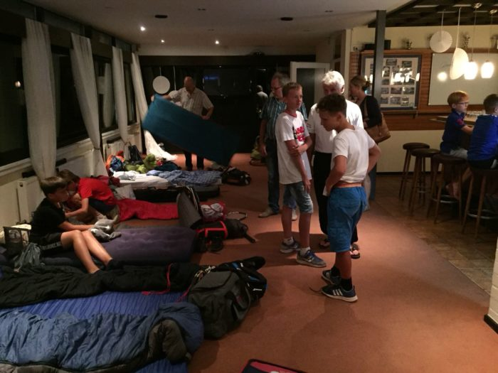 Übernachtungslager im Clubhaus